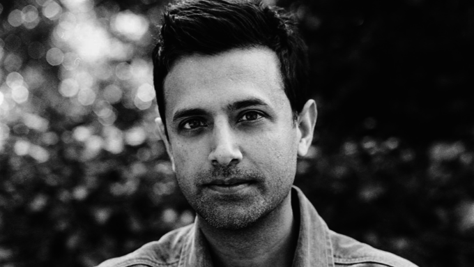 Navin Chowdhry Stars in Multitudes