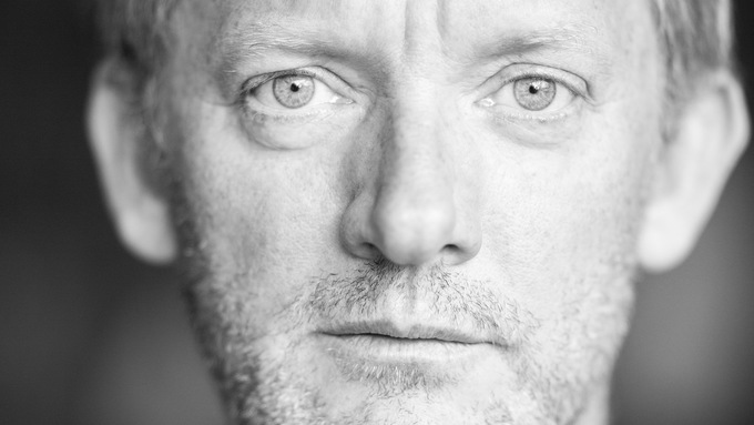 Douglas Henshall Joins Another Tongue