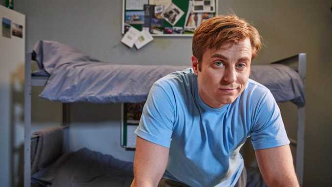 Kevin Bishop Stars In Porridge