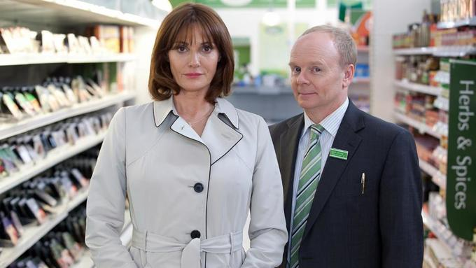 Sarah Parish Stars in Trollied